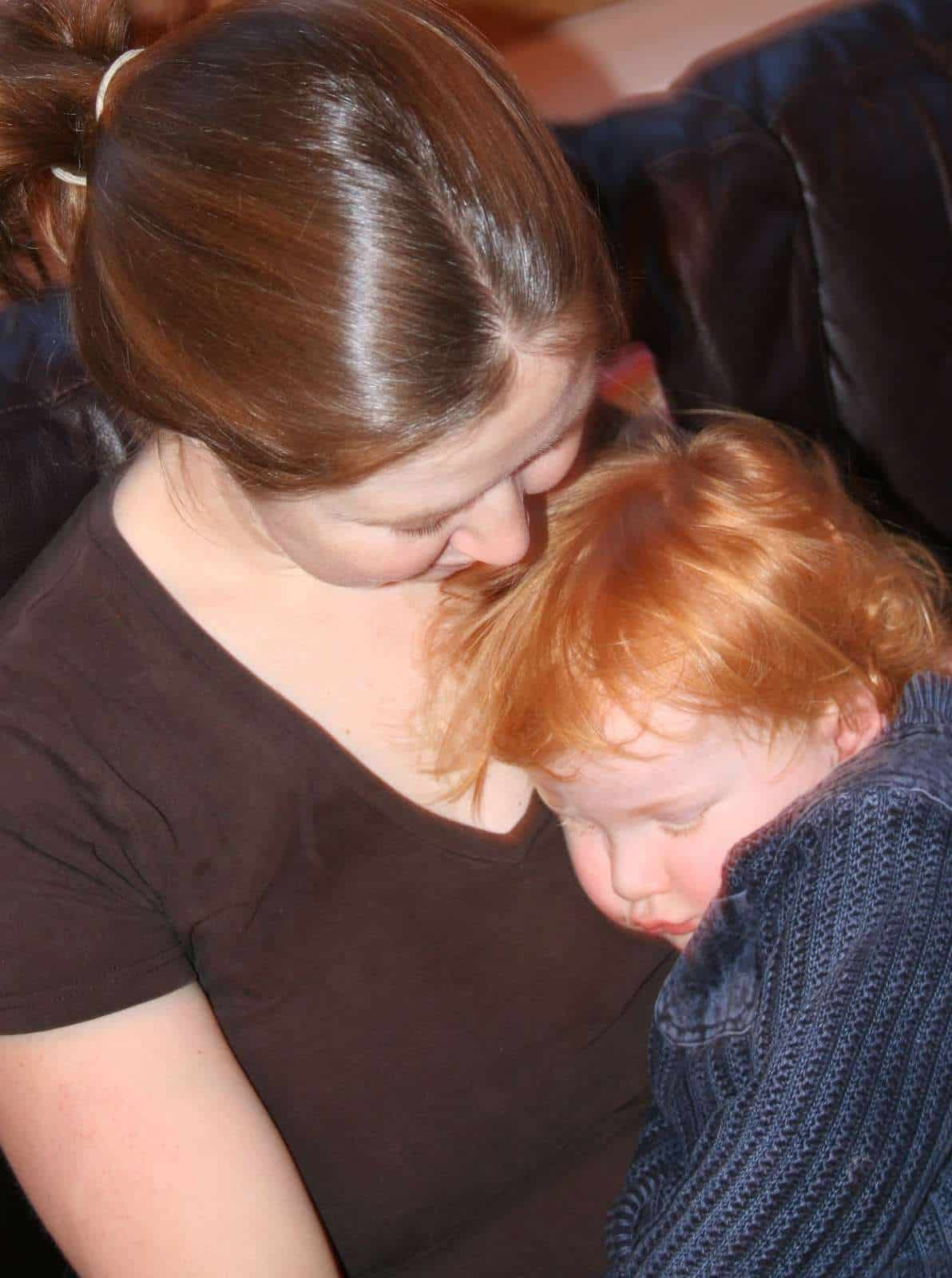 Advocate Sleeptraining Techniques In Which Babies Or Children Are Left  To Cry For Long Periods These Methods For Training Young Babies To Fall  Asleep