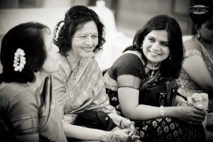 indian-women-talking-5616x3744_56073