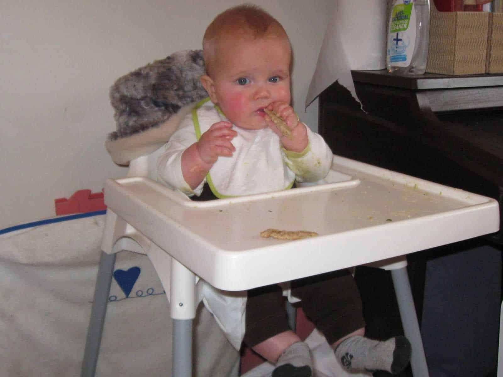 Breastfeeding and teething - La Leche League GB
